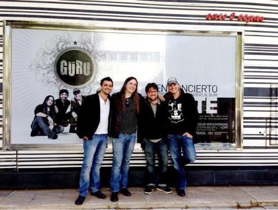Güru White band 02