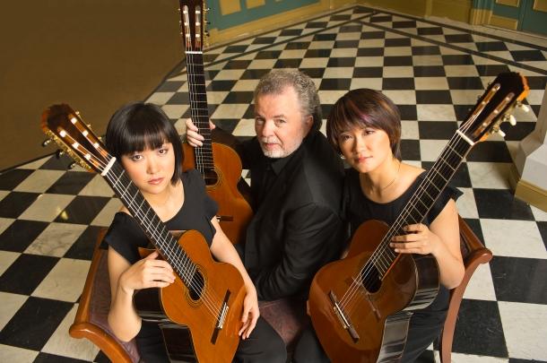 Manuel Barrueco & Beijing Guitar Duo.jpg
