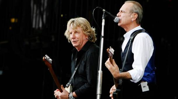 FILE PHOTO:  Rick Parfitt and Francis Rossi of British rock group Status Quo perform at the Glastonbury Festival 2009 in south west England