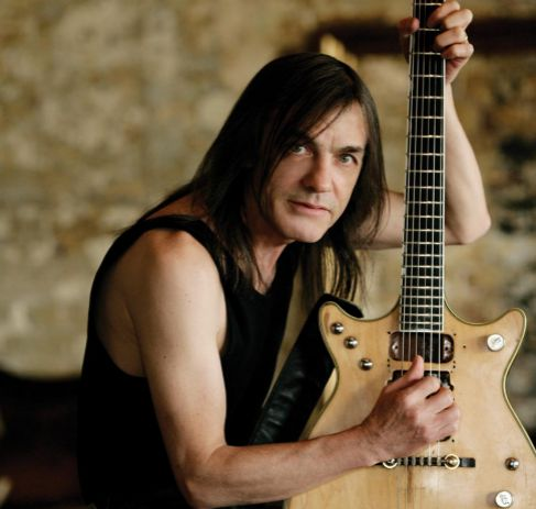 Malcolm Young 02