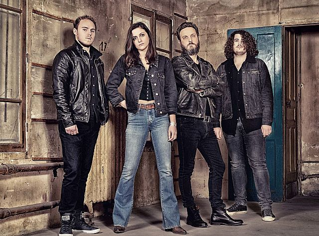 Laura Cox Band 03